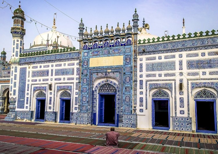 Shah Abdul Latif Bhittai's Urs canceled Due To COVID19